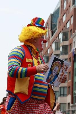 小丑也来凑热闹