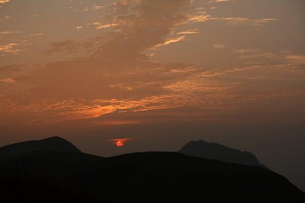 发云界的日出