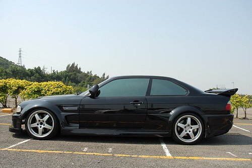 Where can i find ///M3 body kit for a 1992 BMW 325i?