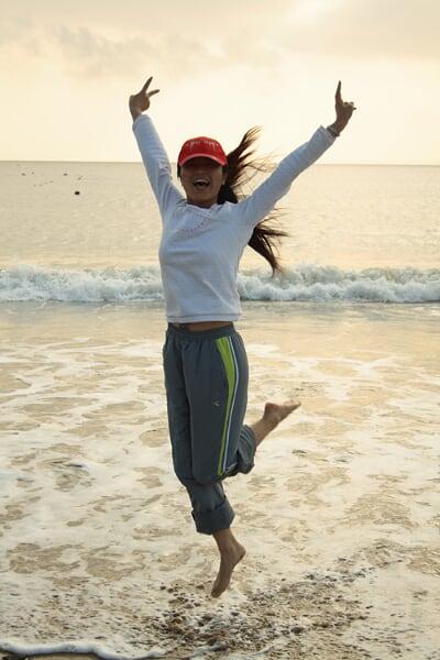 和浪花一起飞舞
